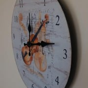 Violin design wall clock side